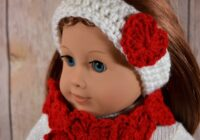 Keep your doll's head warm all winter long with this cute Heart Headband Earwarmer American Girl doll crochet pattern. Get the free pattern here!