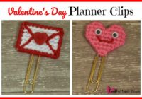 Fun plastic canvas pattern for Valentine paper clips - great for use in your planner or as bookmarks. Get the free pattern here!