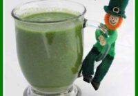 This Leprechaun Juice healthy St Patricks Day recipe is a fave with kids. Shhhh! Don't tell them it's good for them!