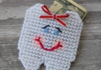 Is the tooth fairy going to be visiting your home soon? This DIY plastic canvas tooth fairy pouch is so cute and easy to make. Click here to get the pattern.